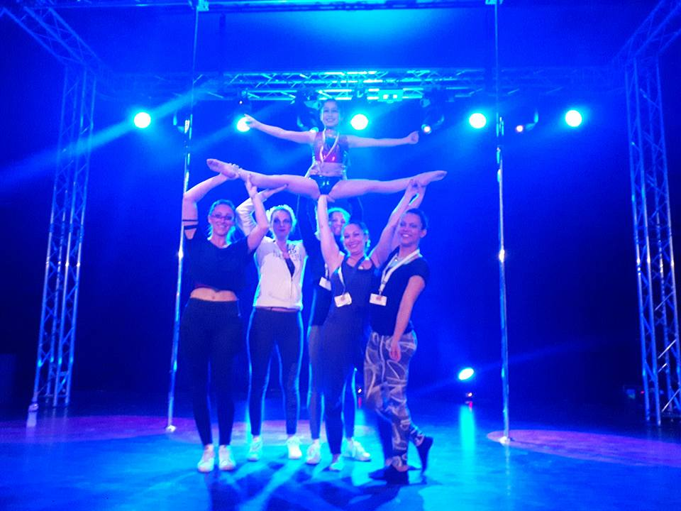 La Maison Pole Dance Melun, L'École des Champions